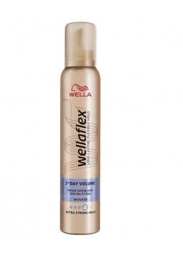 Мусс для волос Wella Wellaflex Mousse Объем до 2-х дней Volume Extra Strong, 200 мл